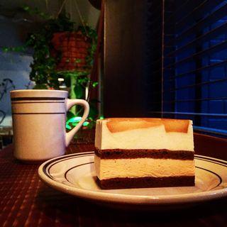 りんごとキャラメルムースのケーキ(ホワイトバード コーヒー スタンド (Whitebird coffee stand))