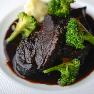 和牛の赤ワイン煮込み(レストランオーボンコワン (Restaurant Au Bon Coin))