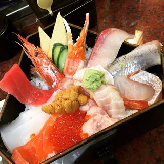 ぜいたく丼(近江町市場寿し 支店 )