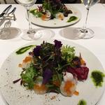イイダコとイクラと旬の野菜のサラダ