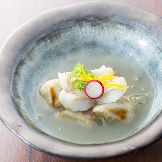 鯛のポワレ 焼き餅(雪洞 (ぼんぼり))