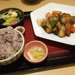 真だらと野菜の黒酢あん定食(大戸屋 品川グランパサージュ店 )