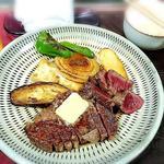 ステーキ(ビーフステーキ専門店 ひよこ)