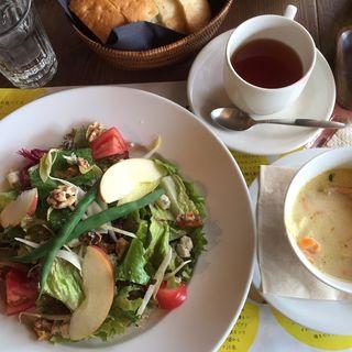 サラダランチ(Royal Garden Cafe (ロイヤル ガーデンカフェ))
