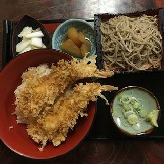 天丼と冷たい蕎麦のセット(山成 )