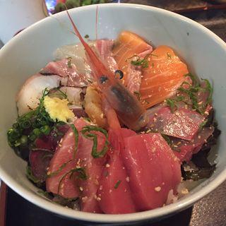 海鮮丼(くつろぎの美味家Uo(ウオ))