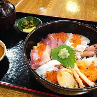 海鮮丼(海)(おけしょう鮮魚の海中苑 )