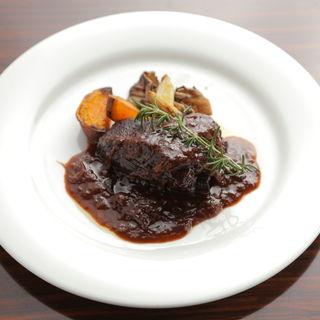 牛ホホ肉の赤ワイン煮込み(レアリスタ (REALISTA))