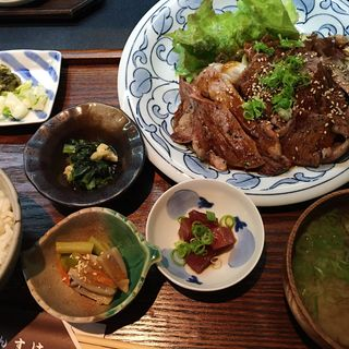 ステーキ定食(肉大盛)(かんすけ )