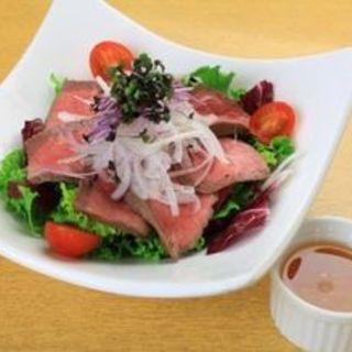 牛たたきサラダ(ロティズ・ハウス (Roti's House))