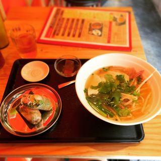 鶏肉のフォー(ベトナムダイニング ハノイのホイさん2(ハイ) )