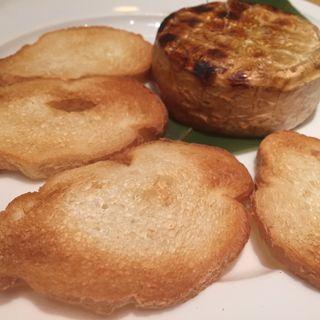 カマンベールのわら焼き