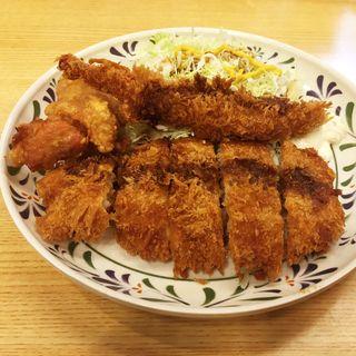 バラエティ定食(華さん食堂 空港通り店 )