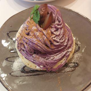 紫芋と和栗のモンブランパンケーキ(elk 京都河原町店 )
