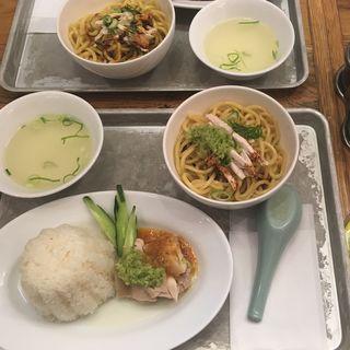 ハーフ&カオマンガイ(マンゴツリーキッチン カオマンガイ )