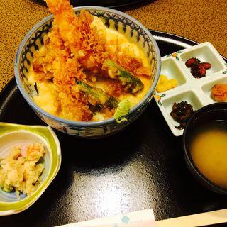 海老天婦羅とろろ丼(料理茶屋 花さがみ (りょうりちゃや はなさがみ))