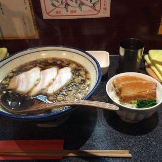 黒壺ラーメン&角煮ごはん(烈志笑魚油 麺香房 三く)