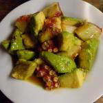 アボカドとタコのサラダ