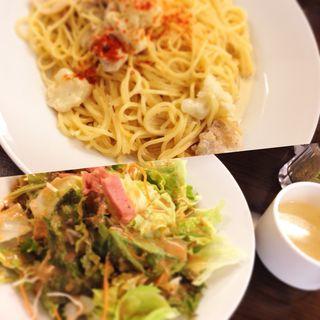 豚肉とカリフラワーのクリームパスタ ランチ(堂島グラッチェ 南森町店 )