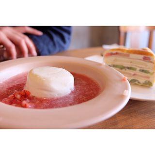苺のスープ 、ミルクレープ(ノコス アレタージュ)