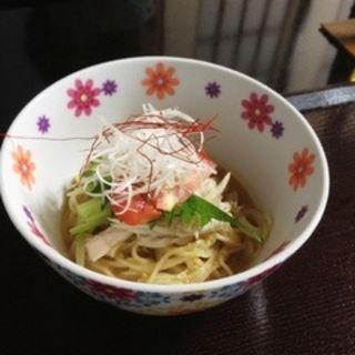 ゴマだれ冷麺(マダム紅蘭 (マダムコウラン))