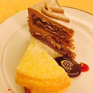 上記のドリンクと本日のケーキのセット(COVA TOKYO (コヴァ トーキョー))