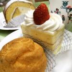 シュークリームとショートケーキ