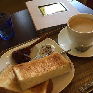 モーニングセット あん&トースト(cafe サバーイサバーイ )