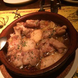 鶏とエリンギの辛いアヒージョ(スペインバル ヴィータ)
