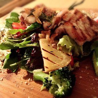 沖縄産あぐ〜豚のグリル ガーリックローズマリー ヘルシー野菜所共に(ピッツァ ワールド アンド エム )