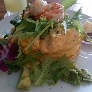 海老とアボカド スクランブルエッグのパンケーキ(グリーンルームカフェ (Green room cafe))