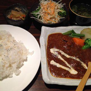 ビーフシチュー(炭火焼肉 亜茶すすきの店)