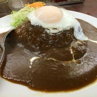 ハンバーグカレーライスの半熟目玉焼きのせ(ハングリー味川 )
