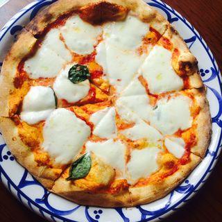 牛乳モッツァレラチーズピザ(cafe 麦秋)