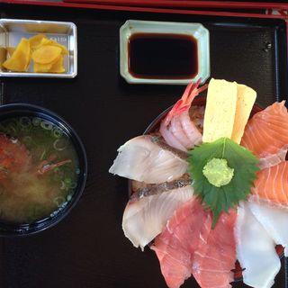 海鮮丼(相生市立水産市場 鮮魚とれとれ市場)