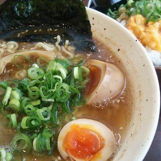 黄金の煮卵ラーメン(和だし専門店 ラーメン 一心 丸の内店)