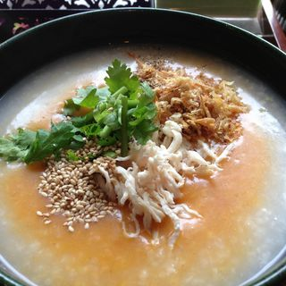 トムヤンクン鶏粥(粥麺楽屋 喜々 (カユメンガクヤキキ))