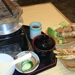 軍鶏釜めし、軍鶏アスパラ巻き、軍鶏串焼き(軍鶏砦)