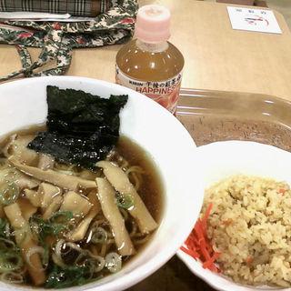 大豆醤油ラーメンとミニチャーハン