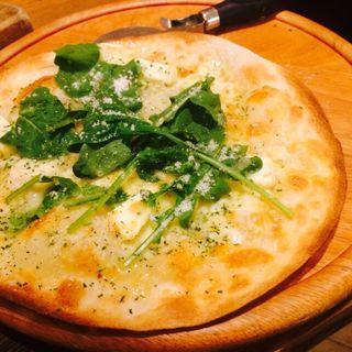4種のチーズピザ(ベラボッカ (BELLA BOCCA))