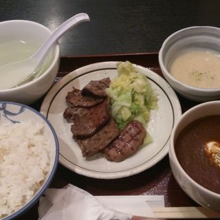 ハーフ&ハーフ定食(唐兵衛)