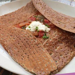 ガレット 野菜のトマト煮(ラタトゥーユ)(カフェ・ドゥ・リエーヴル うさぎ館 (cafe du lievre))