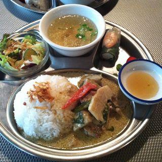 鶏肉と野菜のグリーンカレー(LUNCH SET)(ペパカフェ・フォレスト (pepacafe FOREST))