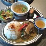 鶏肉と野菜のグリーンカレー(LUNCH SET)