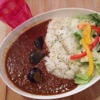 揚げナスのキーマカレー(cafe&dinning hidama)