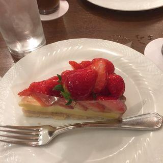 イチゴのタルト( デリスデュパレ)