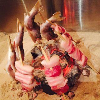 岩魚と越後もち豚の炉端焼き(方舟 大吟醸 いろり)