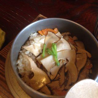 松茸釜飯(くつろぎ家)