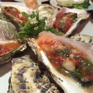 牡蠣のオーブン焼き~トマトバジル~(金のイタリアン )