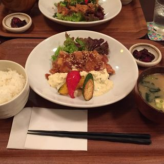 みんな大好きチキン南蛮(Cafe&Kitchen 松吉)